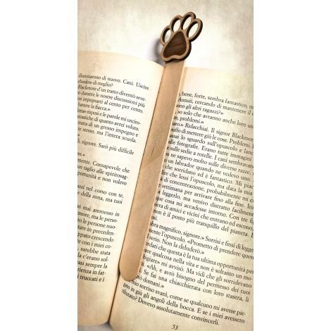 Segnalibro zampa in legno in omaggio con l'acquisto di 2 prodotti a scelta